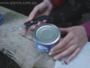 Как правильно открывать консервы ножами Victorinox и Wenger