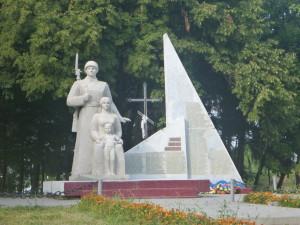 Памятник героям в Крымно